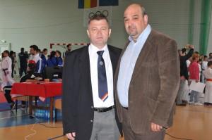 Ioan Boga alături de viceprimarul municipiului Reghin, Daniel Gliga