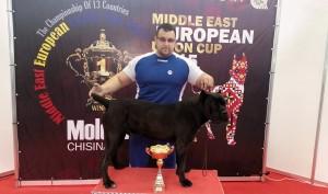 Tudor Salagean alaturi de cainele sau Rony campion absolut   al Europei Centrale si de Est