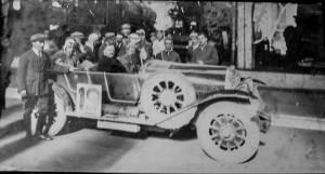 Florea Bogdan rezemat de masina regelui Carol al II lea   inainte de plecarea spre Lapusna 2
