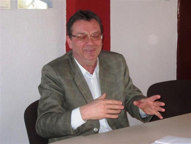 dr. Alexandru Lupsa (Small)