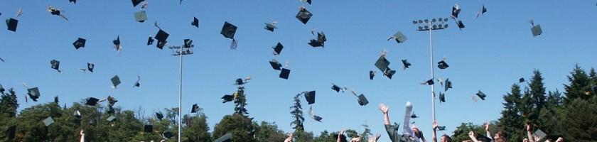 graduation-995042_960_720